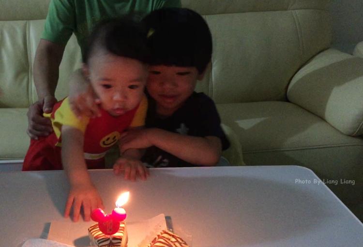 Q比(1Y)♥一歲生日小慶生