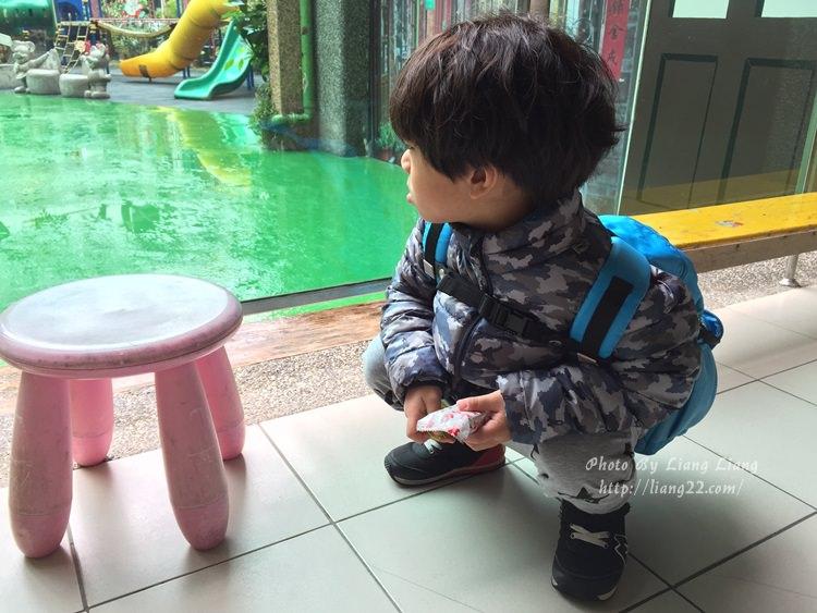 YOYO上學記(4Y3M)♥幼兒園新生活第二天‧跟昨天怎麼不一樣?!