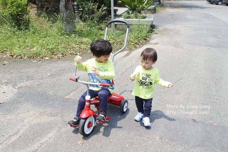 美國百年經典品牌 Radio Flyer 紅騎士二合一三輪推車‧從2歲一路騎到5歲都可以