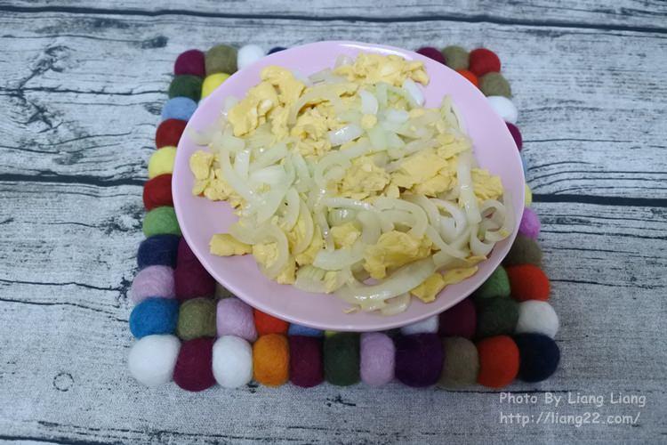 【小廚娘上菜】家常菜料理‧洋蔥炒蛋