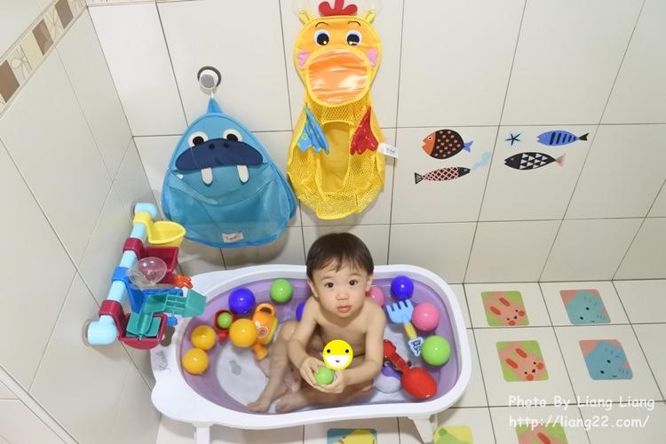 夏日玩水樂‧戲水洗澡好好玩+加拿大 Attidue 嬰幼兒洗髮沐浴用品