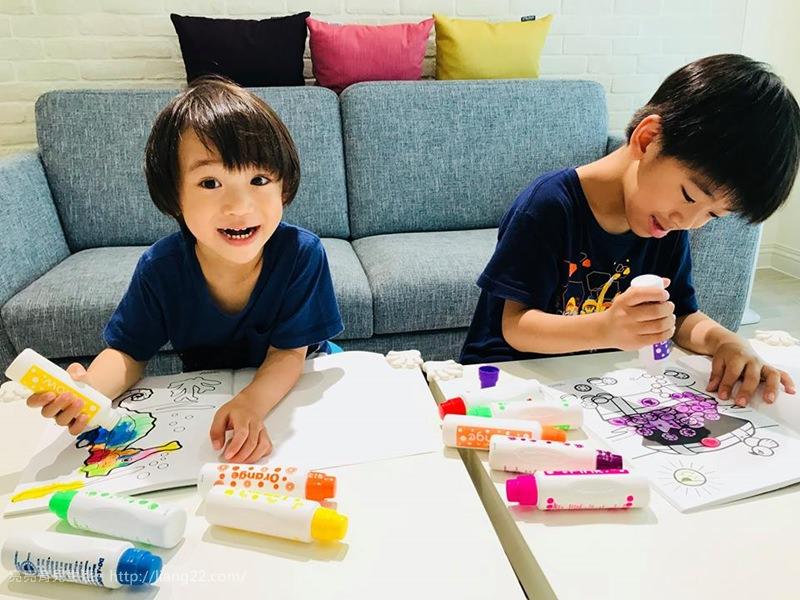 讓孩子盡情的塗鴉吧!!美國Do A Dot Art 點點畫筆‧安全無毒/快乾好清潔/不乾筆頭不縮頭