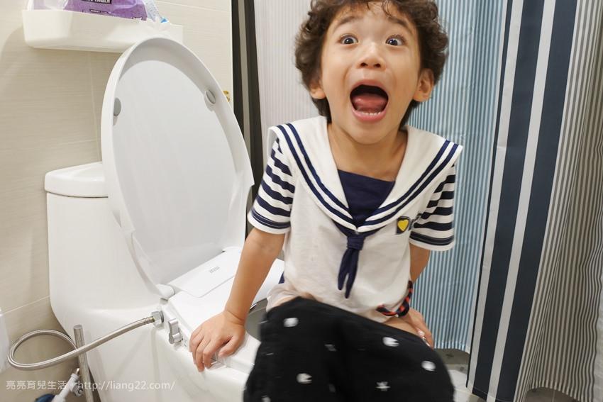 屁屁用水洗!!!不用花大錢也可以享受免治馬桶帶來的無限美好之一太衛浴免插電超薄洗淨便座